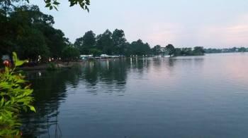 Danau Cipondoh Tangerang Alternatif Tempat Nongkrong Santai