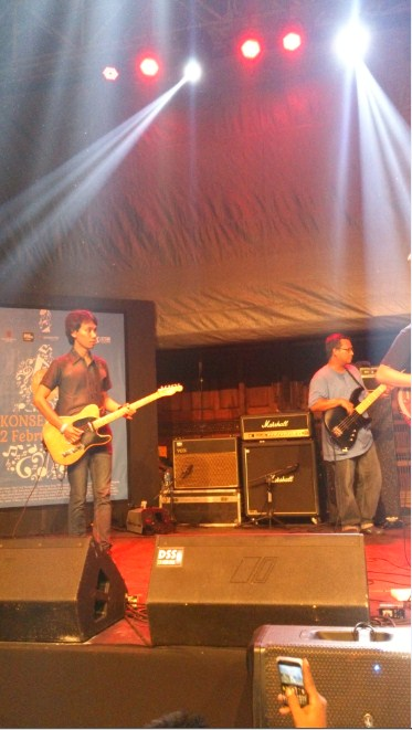 Konser Gitaris Eross Chandra Sheila On 7