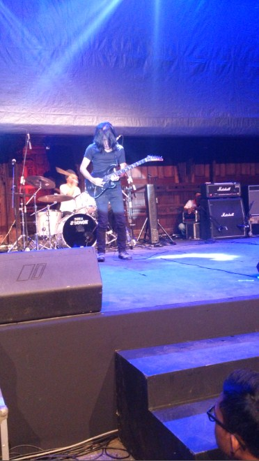 Konser Gitaris Ian Antono God Bless