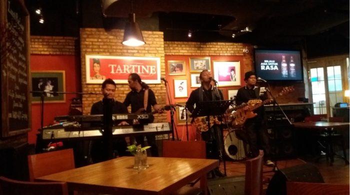 Live Music di Tartine Restoran FX Sudirman