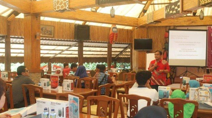 Trainer Digital Marketing Terbaik di Surabaya