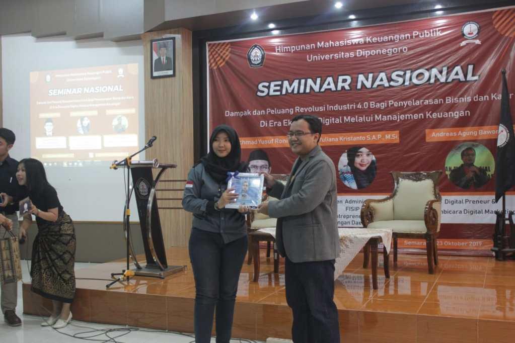 Seminar Digital Marketing UNDIP Semarang