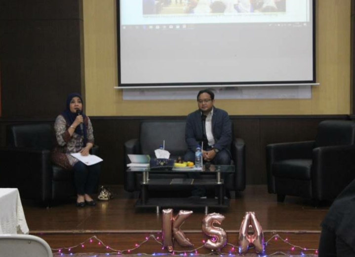Pembicara Seminar E-Commerce Universitas Esa Unggul Jakarta