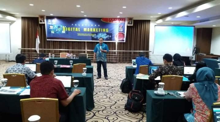 Pembicara Digital Marketing Lewat Live Webinar
