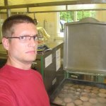 For one entire summer day I helped out in the kitchen at a Christian youth camp, where I amongst other things fried about 500 hamburgers in a few hours. Harsh stuff!
