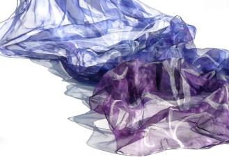 Kék és lila inda mintás 180x45cm - 8000 Ft