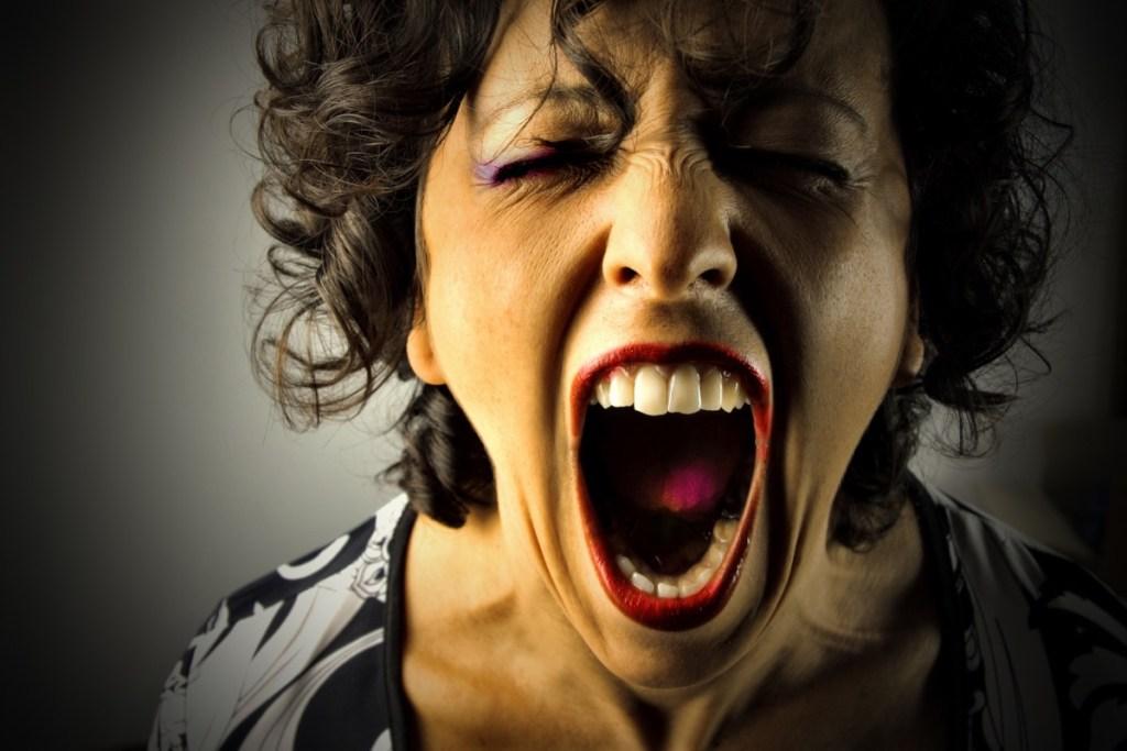 Scream. Andreas Mittlböck Beziehung Beziehungsprobleme Frau schreit