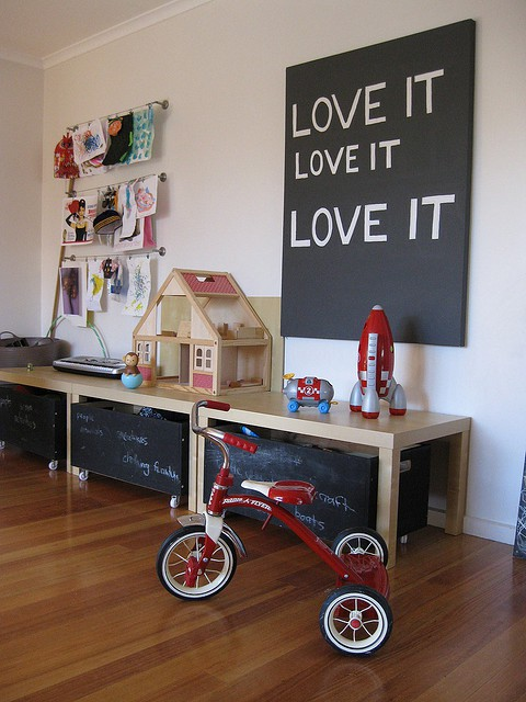 Dozens of great toy storage ideas!