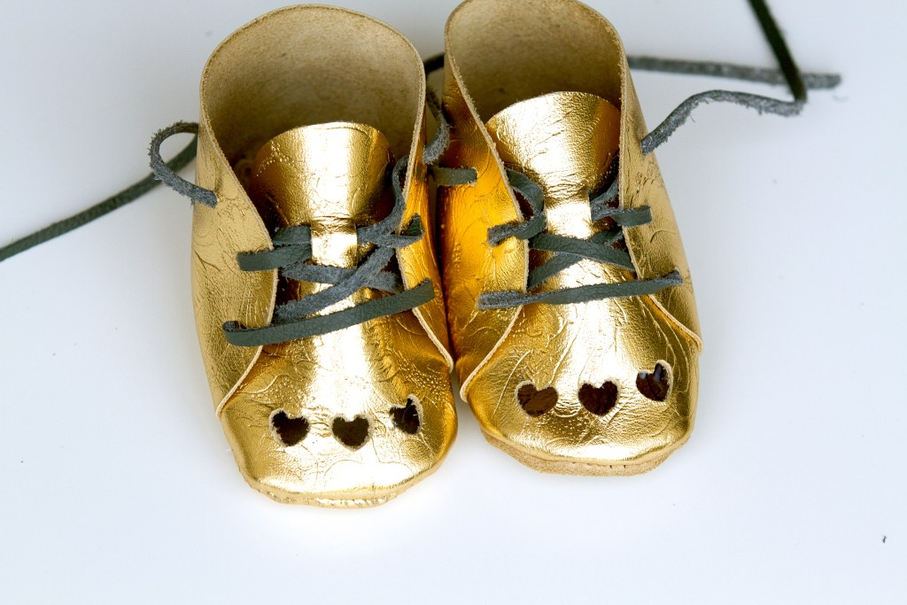 easy to make gold booties!