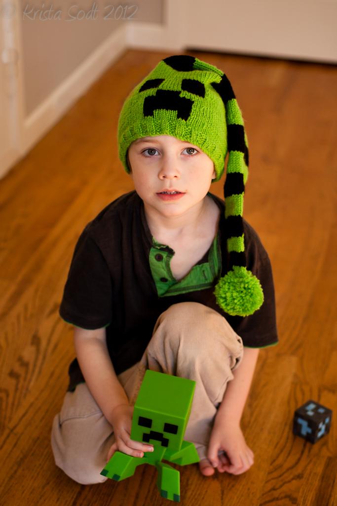 Creeper hat pattern
