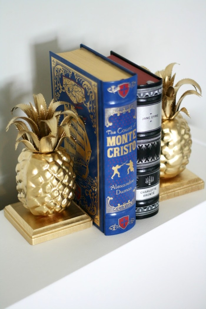 pineapple-bookends