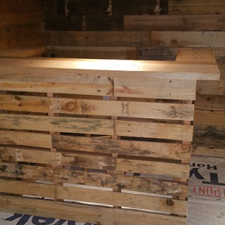 Make your own pallet bar