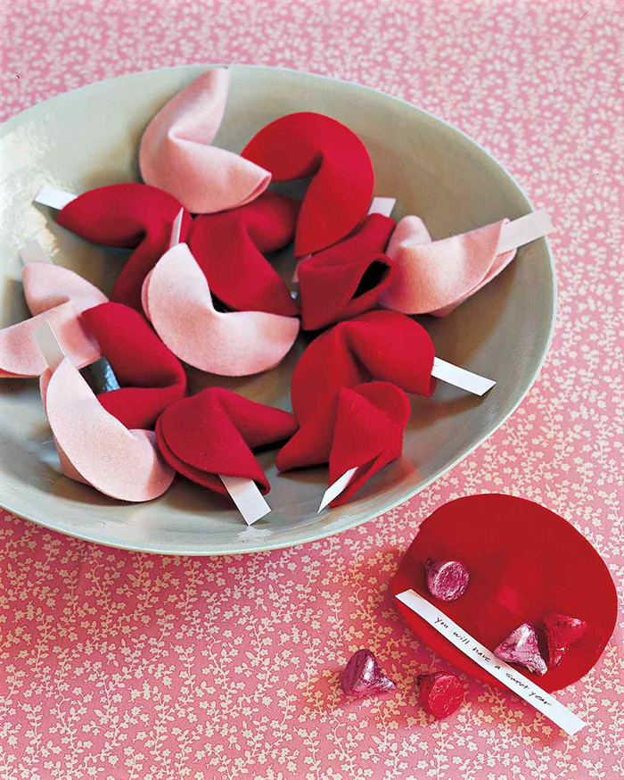Felt Fortune Cookies - Valentine Tutorial
