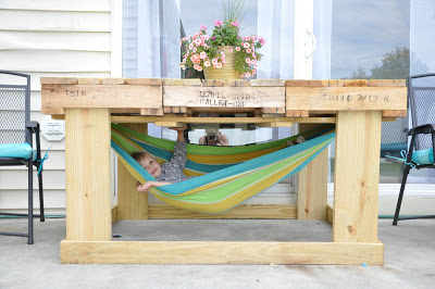Build a pallet table with hammock