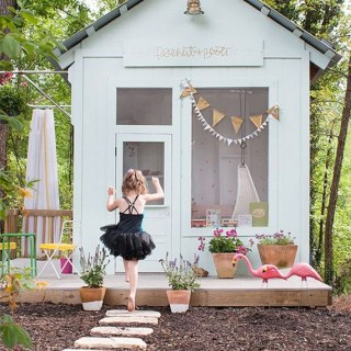 Adorable DIY Playhouse