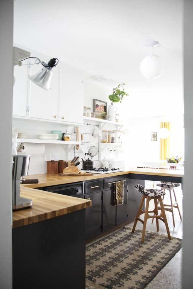 Stylish two toned kitchen cabinets - black and white