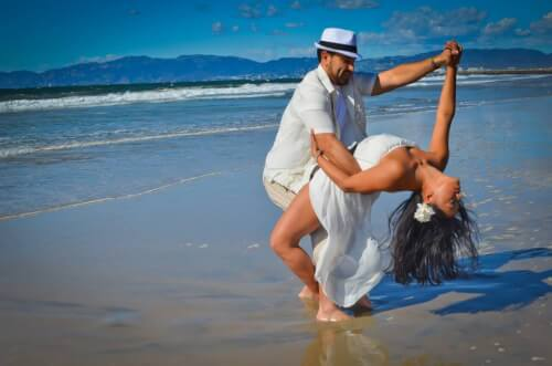 Relaxeaza-te prin dans la Platinum Dance