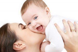 Cum sa-ti feresti copilul de boli: sfaturi utile pentru mamici