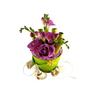 Companie de calitate care se ocupă de aranjamente florale în coș
