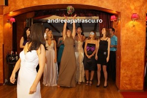 Andreea-Ibacka-buchetul-miresii