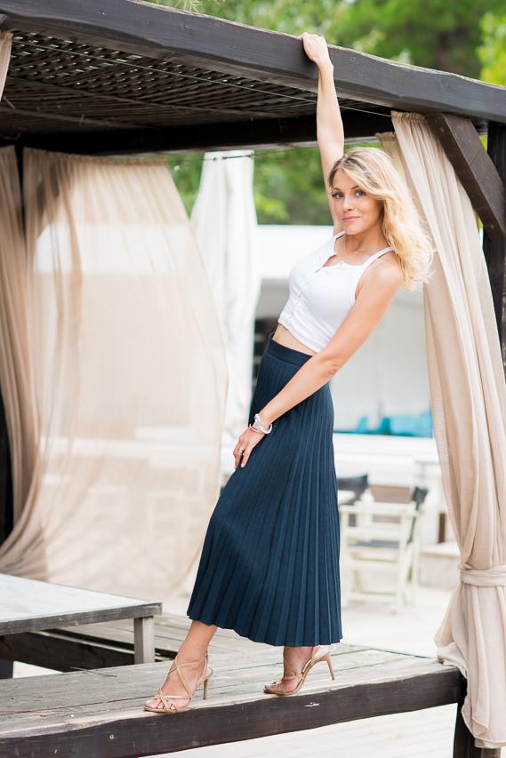 Andreea Ibacka - casual chic Kavala 02