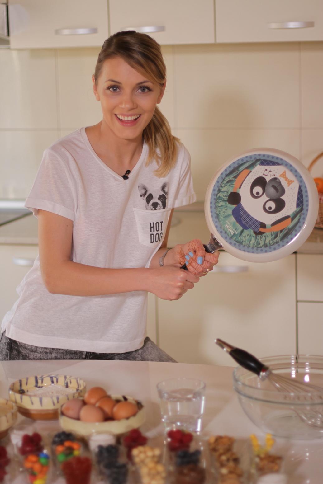 Andreea Ibacka clatite urs panda 03