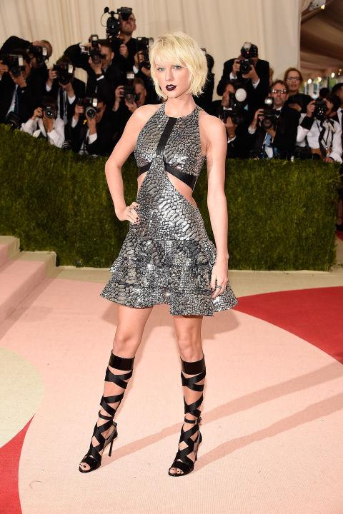 Taylor Swift - rochie Louis Vuitton
