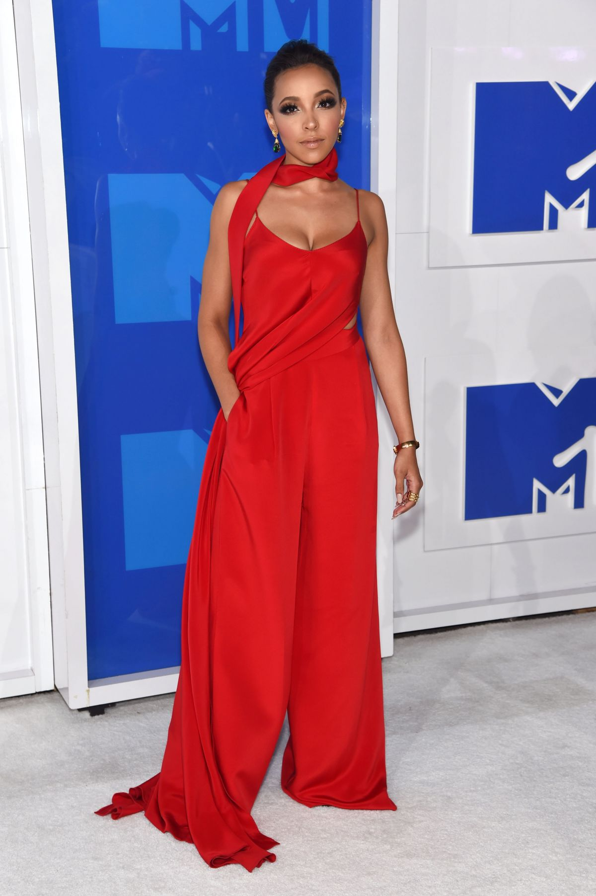 MTV Video Music Awards 2016 - Tinashe, salopeta Juan Carlos Obando