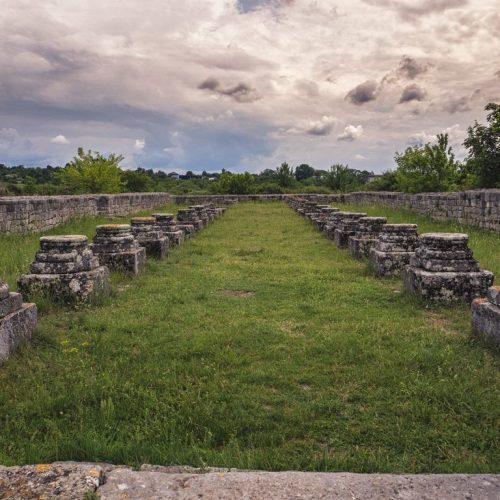 42 500x500 - Istorie și maci în Dobrogea, spre Adamclisi