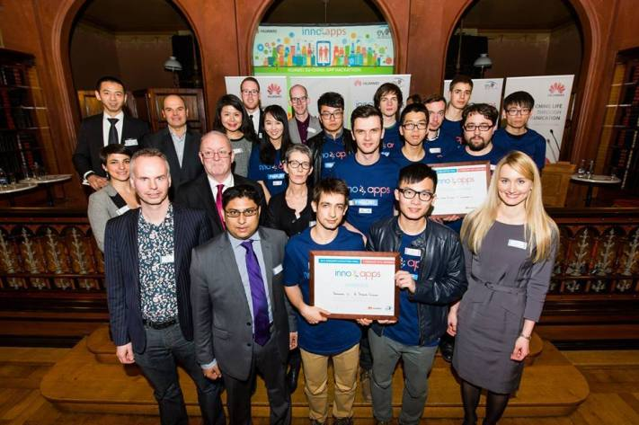 Innoapps 2015 winners with organisers and jury