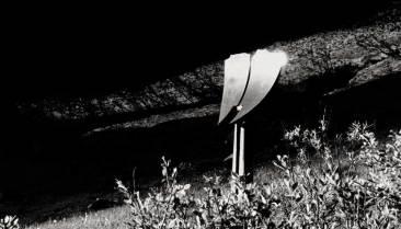 Ecoute le vent, 2001, granit d'Afrique, 375 x 180 x 45 cm