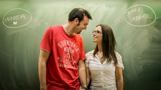 pre wedding photos at university classroom