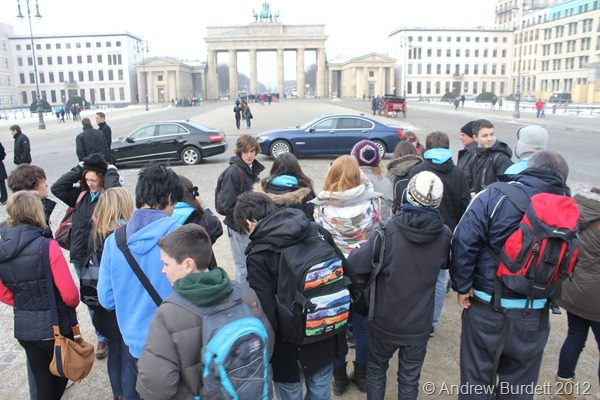 THE BRANDENBERG GATE: Cameras in hand, we arrived at the Brandenburg Gate. (IMG_7537)