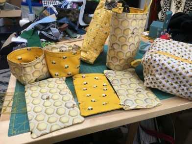 bee-themed sewing projects: bags of various sizes and shapes