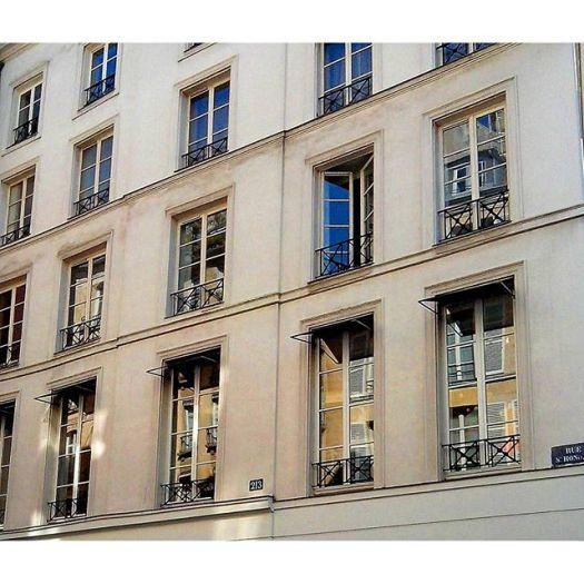 Paris, France#parisfrance #paris #france #beautiful #beauty #parisjetaime #parisphoto #parismonamour #perspective #sunsets #igersfrance #topparisphoto #wanderlust #travel #parismaville #ig_france #parisian #parislove #cityscape #french #architecture #architectureporn #windows #buildings #sunset #sky #vsco #vscocam #vscogrid #street