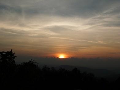 cloud-2785679_1920.jpg