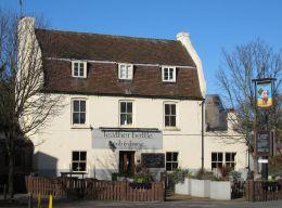 The Leather Bottle pub, Earlsfield, c.2015