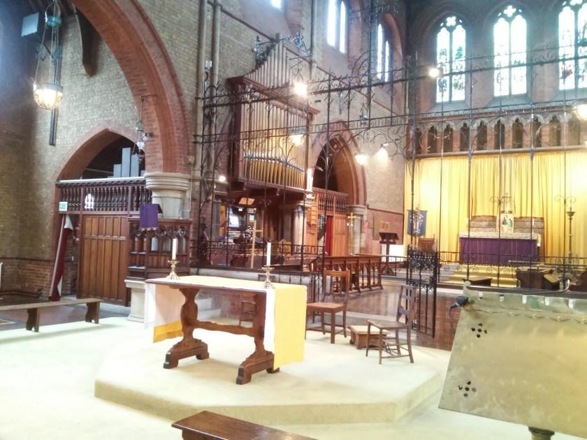 St Andrew Earlsfield, London, UK; the chancel, 2017.