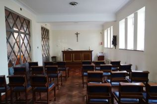 St Mary Newington, London. Side chapel. 2018. [Source: ttps://londonchurchbuildings.com]