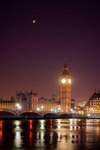 lunar-eclipse-london-123230309