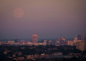 summer-moonrise-1-163820137