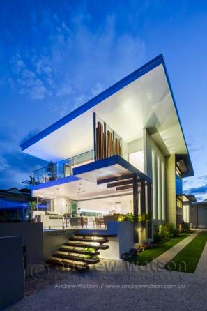 Twilight image of architectural designed residence in Cairns