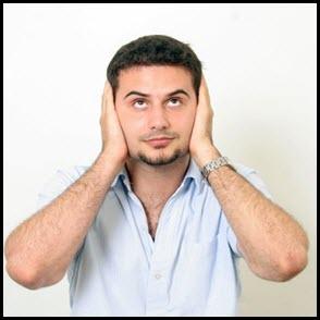 Нервный мужчина не выносит шум