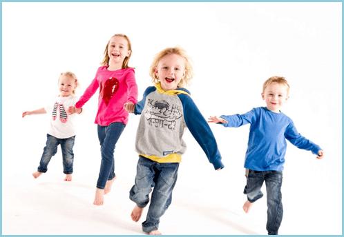 Дети в спортивной одежде