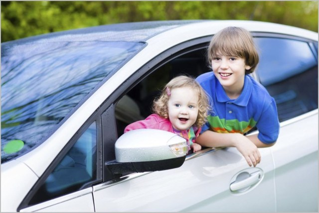 Фото с детьми в машине