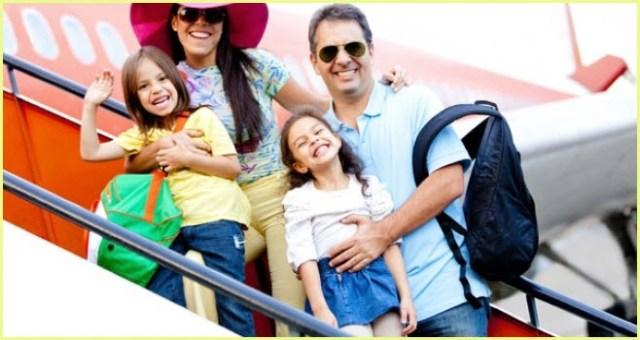 Родители с детьми летят на юг