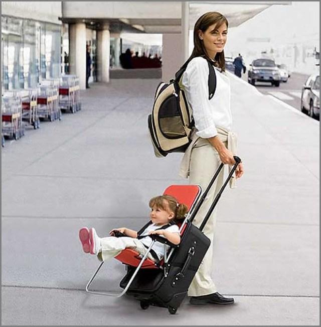 Дочка с мамой в поездке