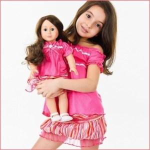 Фото девочки с куклой