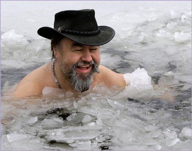 Мужик морж