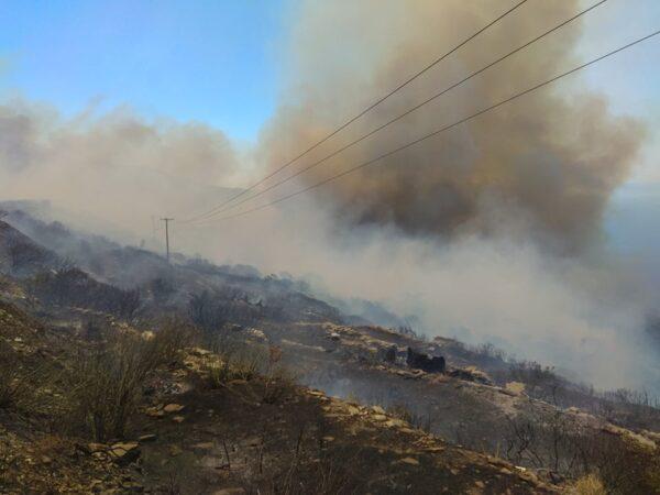 Η Φωτιά στον Αη-Γιώργη Φαράλη. Εκκενώνονται Οικισμοί